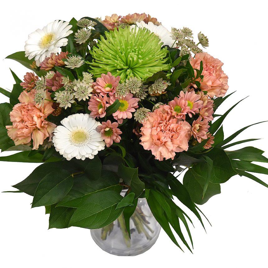 Ljus Bukett blommor i Aprikos för omtanke från bellis blomsterhandel